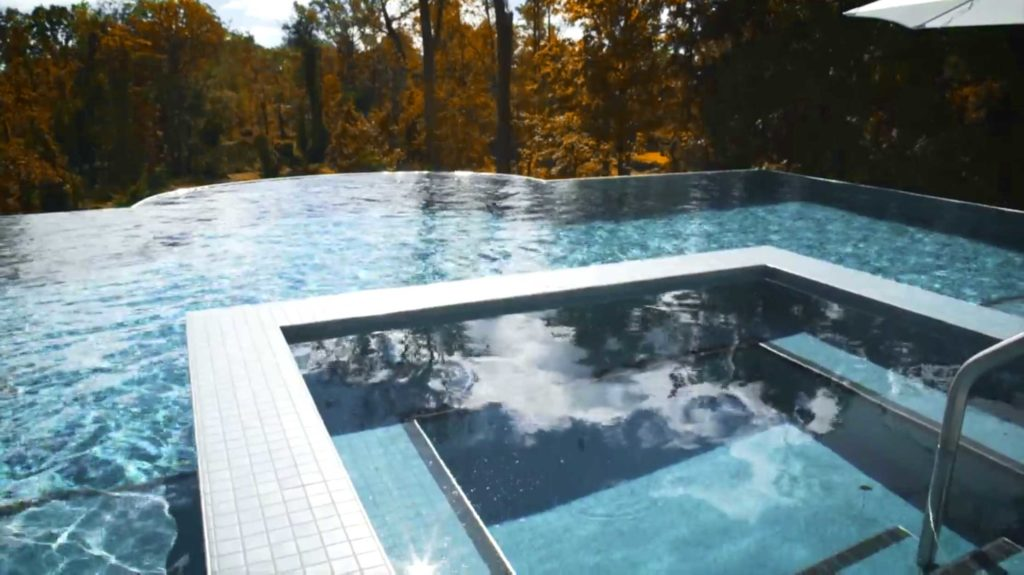 paihomes-infinity-edge-pool-4